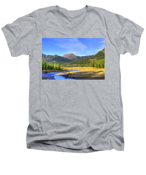 Yellowstone National Park Landscape Men's V-Neck T-Shirt
