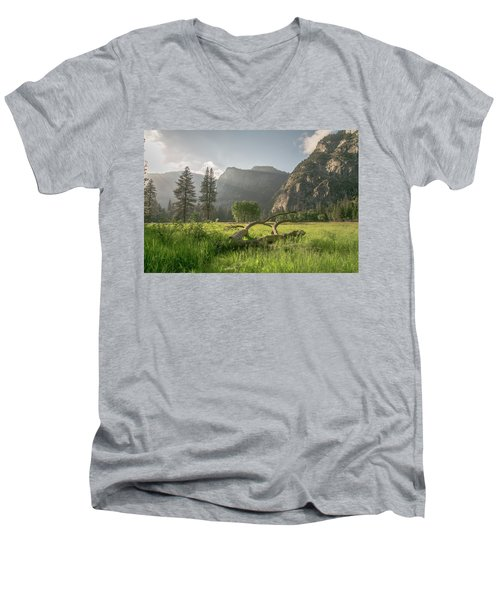 Sundown On The Valley Men's V-Neck T-Shirt