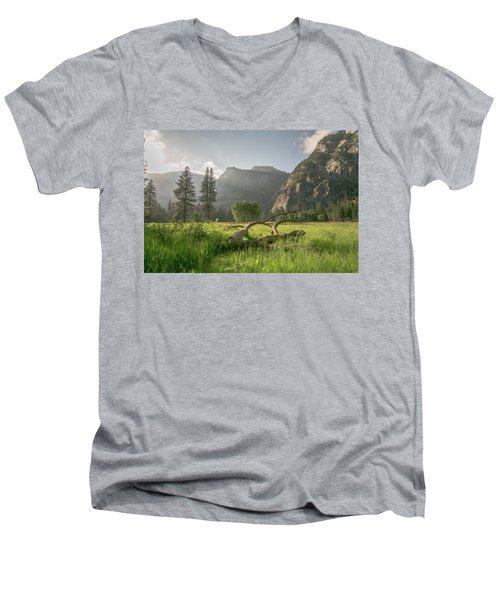 Sundown On The Valley Men's V-Neck T-Shirt