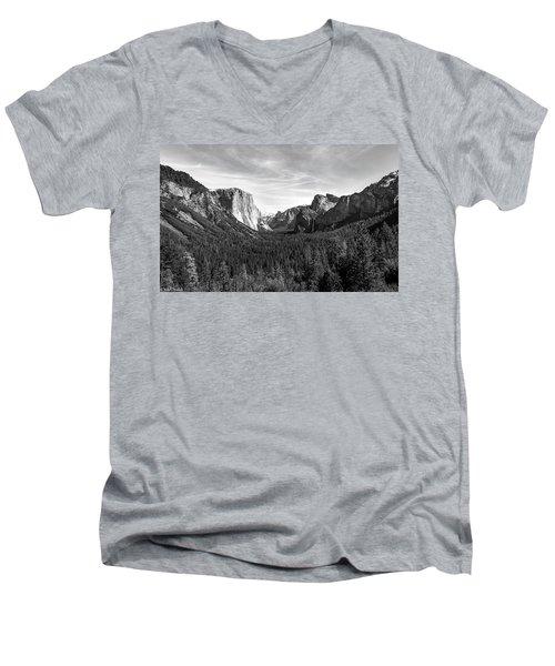 Yosemite B/w Men's V-Neck T-Shirt