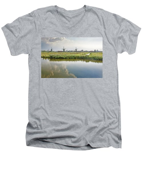 Zaandam Skyline Men's V-Neck T-Shirt