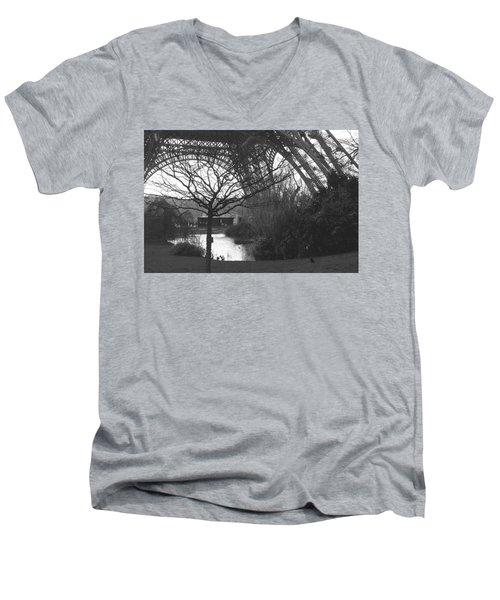 Zanthoxylum Piperitum Men's V-Neck T-Shirt