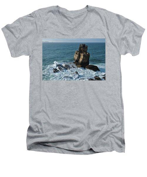 Nau Dos Corvos Men's V-Neck T-Shirt