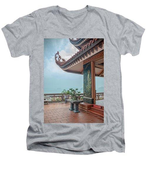 Cai Bay Padoga Men's V-Neck T-Shirt