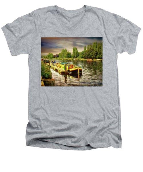 River Work Men's V-Neck T-Shirt