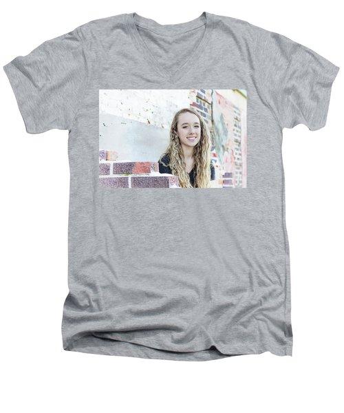 11be Men's V-Neck T-Shirt