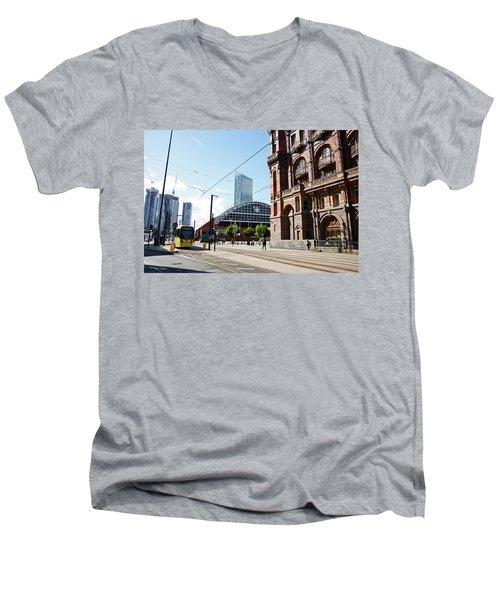 13/09/18  Manchester.  Lower Mosley Street. Men's V-Neck T-Shirt