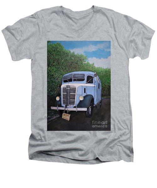 1937  Gmc Coe Men's V-Neck T-Shirt