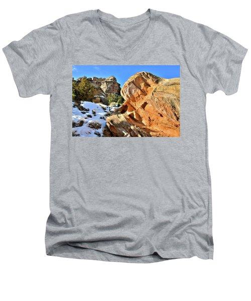 Colorful Colorado National Monument Men's V-Neck T-Shirt
