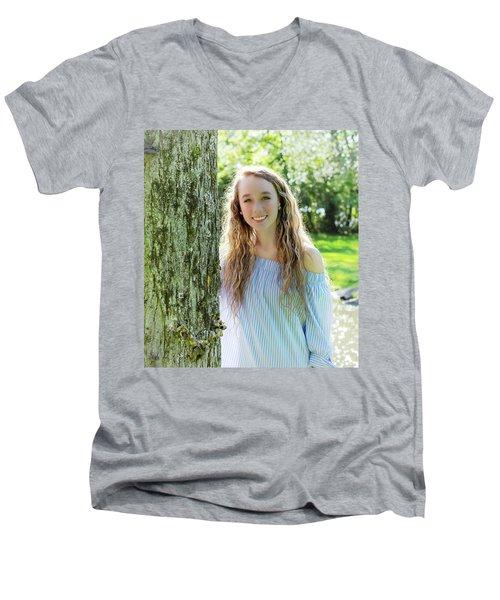 2aee Men's V-Neck T-Shirt