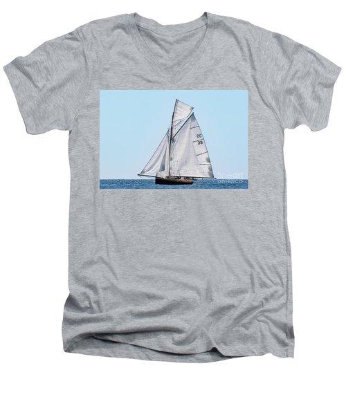 Falmouth Classic 2018 Men's V-Neck T-Shirt