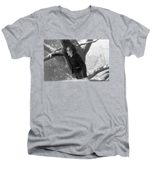 A Woman In A Tree, 1972 Men's V-Neck T-Shirt