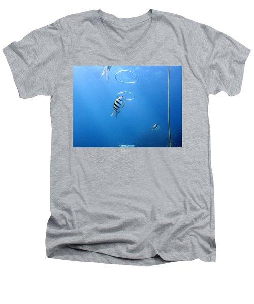 Air Rings Men's V-Neck T-Shirt