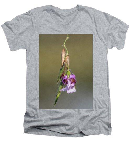 Alligator Flag Men's V-Neck T-Shirt