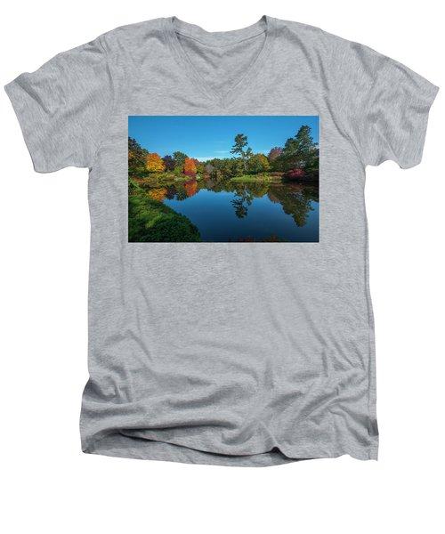 Asticou Reflection Men's V-Neck T-Shirt