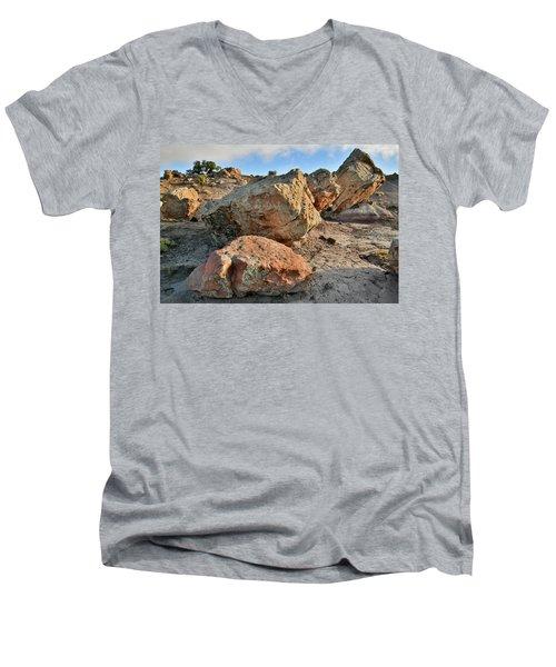 Balanced Rocks In Bentonite Site Men's V-Neck T-Shirt