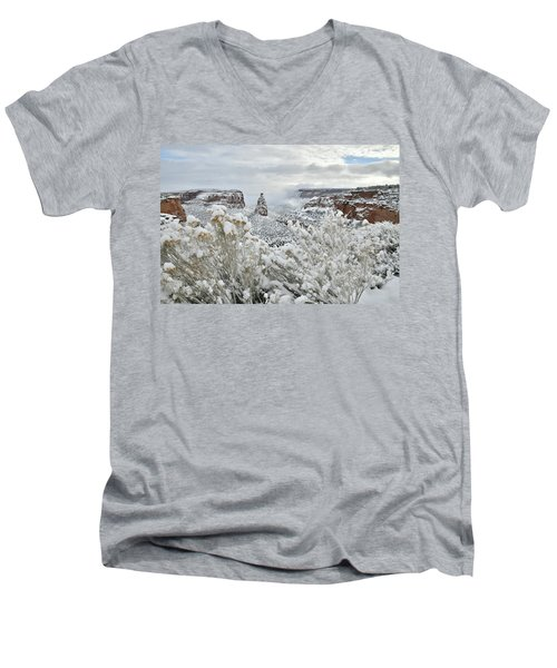 Beautiful Snow Morning Along Rim Rock Drive Men's V-Neck T-Shirt