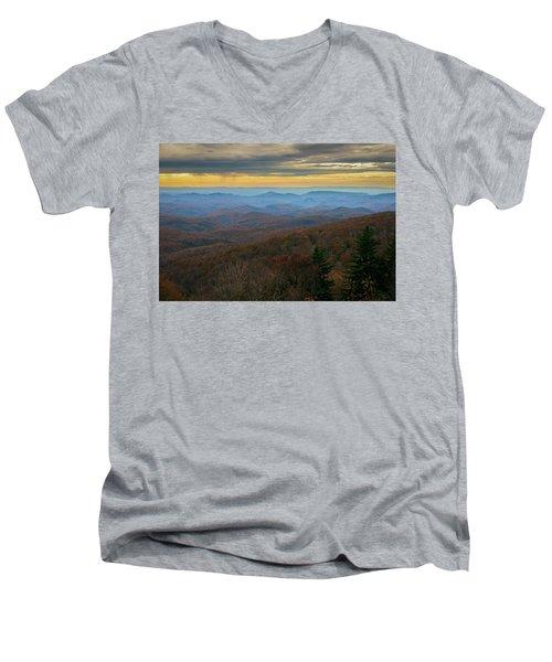 Blue Ridge Parkway - Blue Ridge Mountains - Autumn Men's V-Neck T-Shirt