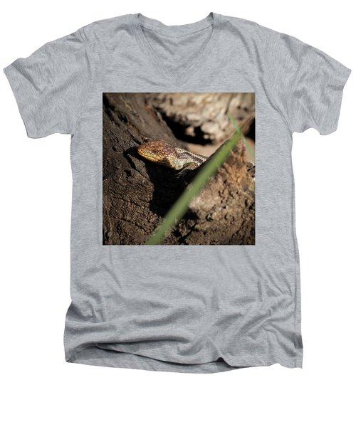 Blue Tongue Lizard Men's V-Neck T-Shirt