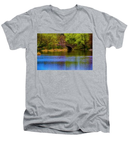 Bridge In Central Park Men's V-Neck T-Shirt