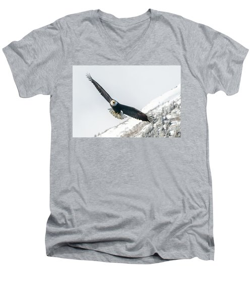 Call Of The Wild North Men's V-Neck T-Shirt