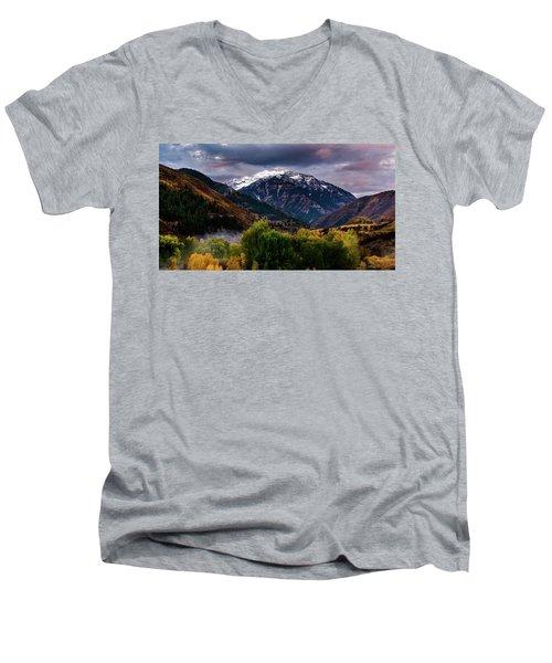Cascade Mountain Men's V-Neck T-Shirt