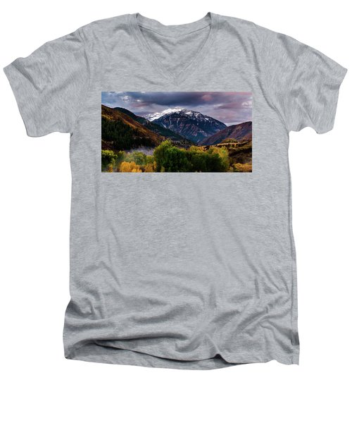 Cascade Mountain Men's V-Neck T-Shirt