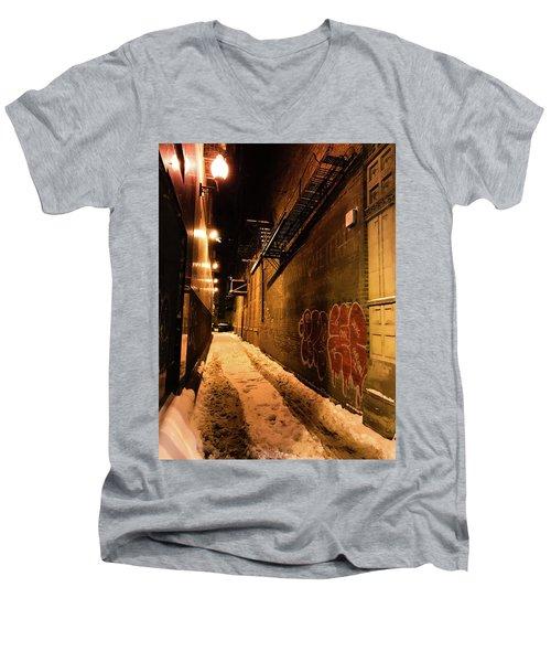 Chicago Alleyway At Night Men's V-Neck T-Shirt