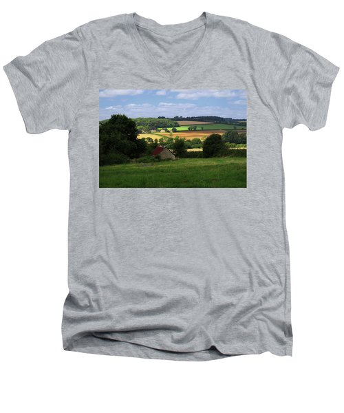 Cotswold Field England 81601 Men's V-Neck T-Shirt