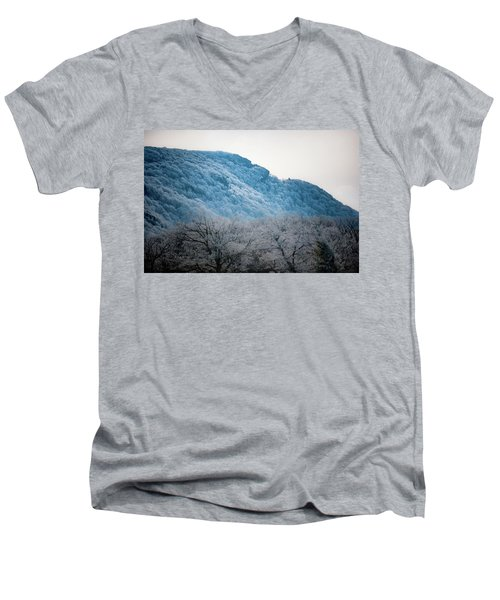 Cresting Wave Men's V-Neck T-Shirt