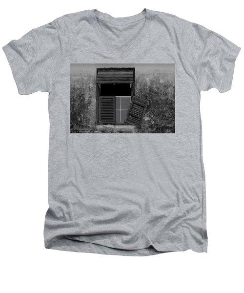 Crumblling Window Men's V-Neck T-Shirt