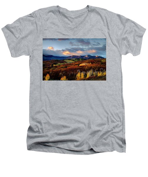 Dramatic Sunrise In The San Juan Mountains Of Colorado Men's V-Neck T-Shirt
