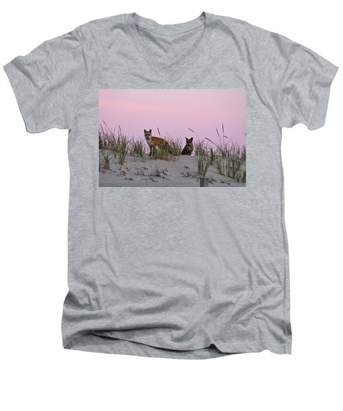 Dune Foxes Men's V-Neck T-Shirt