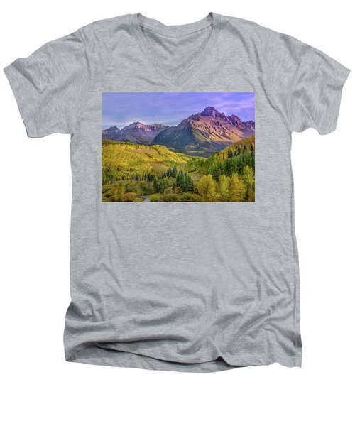 Fall Color In The San Juan Mountains Men's V-Neck T-Shirt