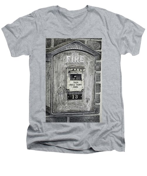 Firebox Men's V-Neck T-Shirt
