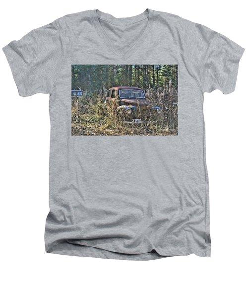 Forest Finds Men's V-Neck T-Shirt