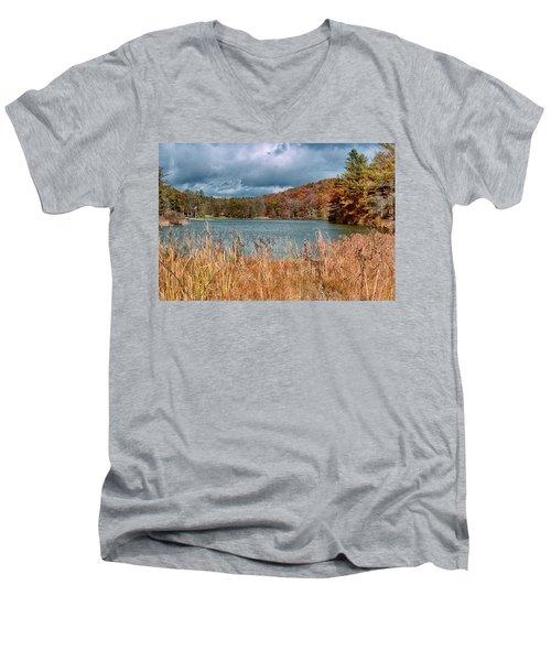 Framed Lake Men's V-Neck T-Shirt