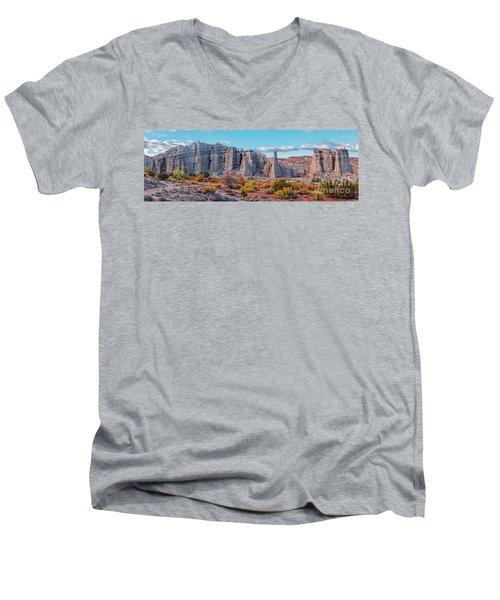 Golden Hour Fall Panorama Of Plaza Blanca - Abiquiu Rio Arriba County New Mexico Men's V-Neck T-Shirt