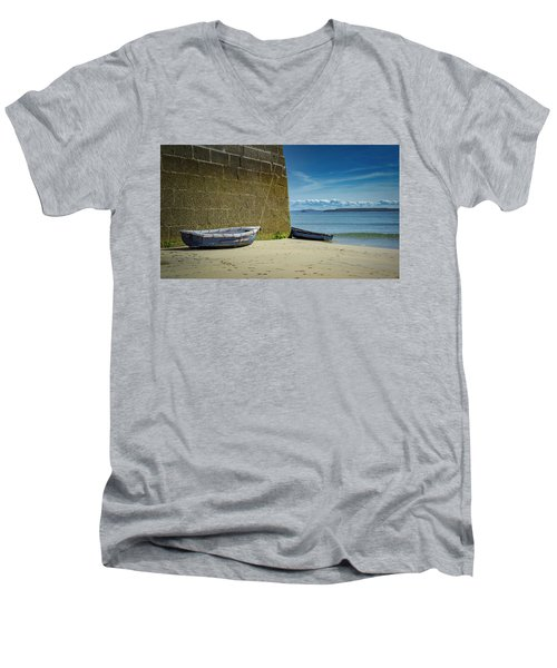 Holidays In St Ives Cornwall Men's V-Neck T-Shirt