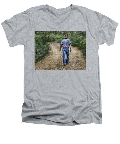 I'm Goin' Fishin Men's V-Neck T-Shirt