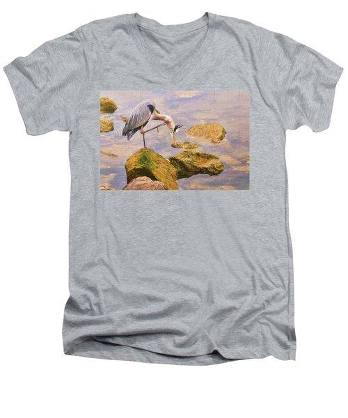 Itchy  Neck Heron Men's V-Neck T-Shirt