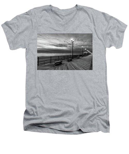 Jersey Shore In Winter Men's V-Neck T-Shirt