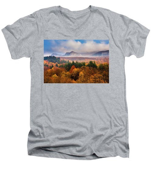 Land Of Illusion Men's V-Neck T-Shirt