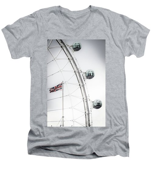London Eye And Union Jack Men's V-Neck T-Shirt