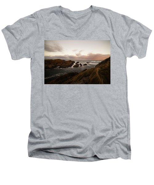 Long Exposure Arctic Men's V-Neck T-Shirt