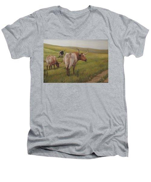 Long Horns Men's V-Neck T-Shirt