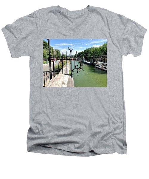 Love Locks Men's V-Neck T-Shirt