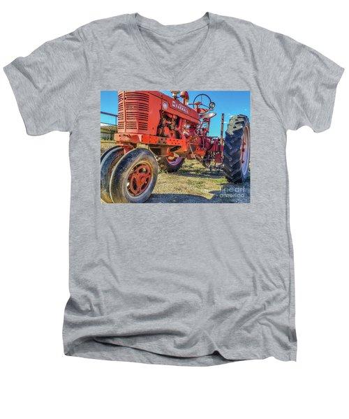 Mccormick Farmall Men's V-Neck T-Shirt