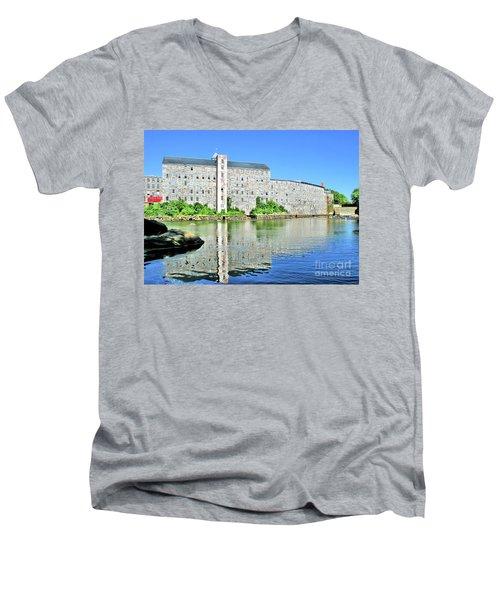 Newmarket New Hampshire Men's V-Neck T-Shirt