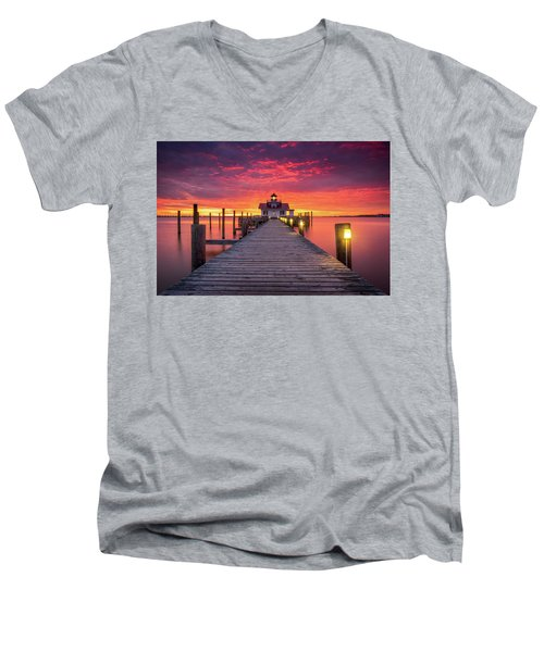North Carolina Outer Banks Manteo Lighthouse Obx Nc Men's V-Neck T-Shirt